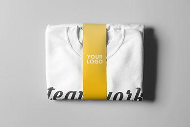 03_Folded Crewneck Sweater & Paper Band_