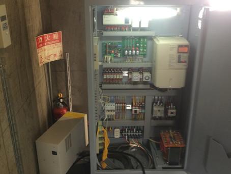 エレベーター制御盤