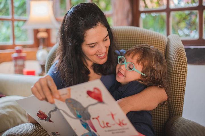 Graziela Andrade com a filha - foto Gilb