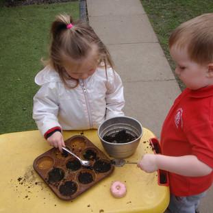 Mary Platt Preschool - Mud baking