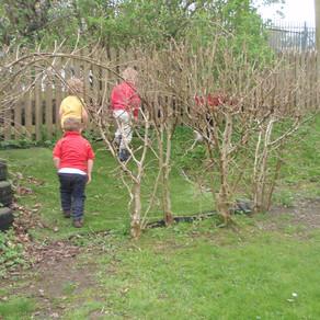 Mary Platt Preschool - Exploring in the garden