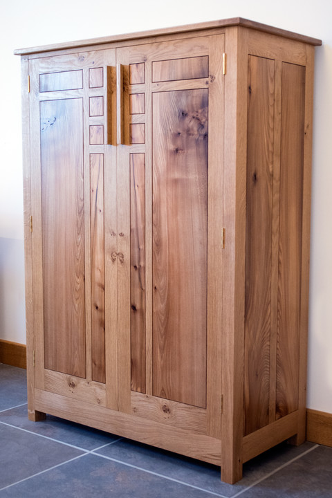 arts and craft inspired cabinet