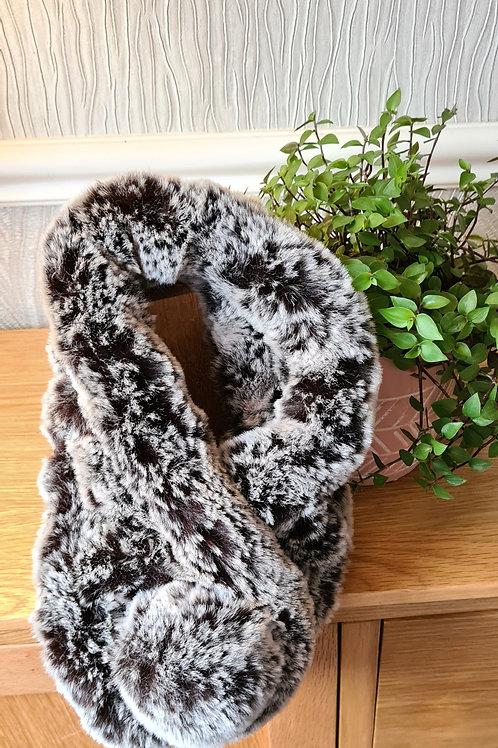 Brown/grey fake fur scarf/collar.