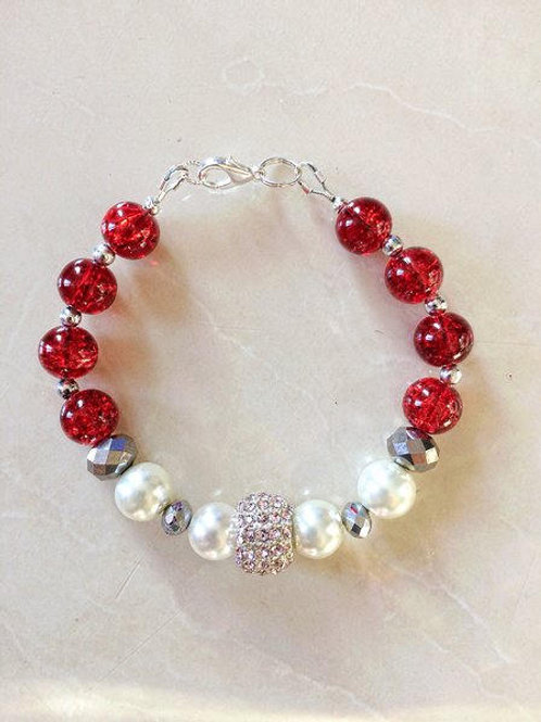 Pearl & Red Glass Crackle Bracelet with Pink Crystal Feature Bead