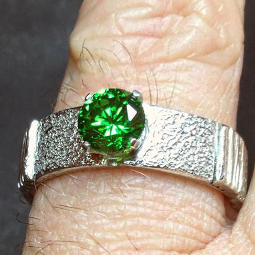 The Green Cubic Zirconia Ring (ONLY ONE)