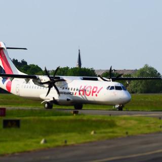 ATR 42 de chez Hop arrivant à Poitiers LFBI