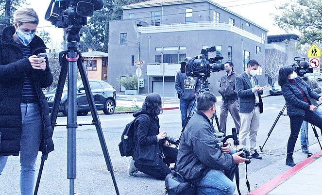 newsroom2_edited.png