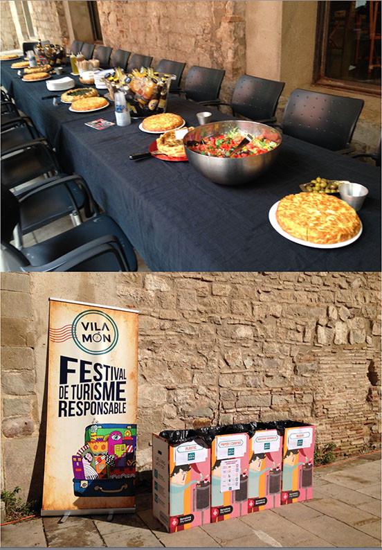 Catering con comida de kilometro 0 y de proximidad. Contenedores para la separación de la basura generada en el festival de turismo sostenible de barcelona