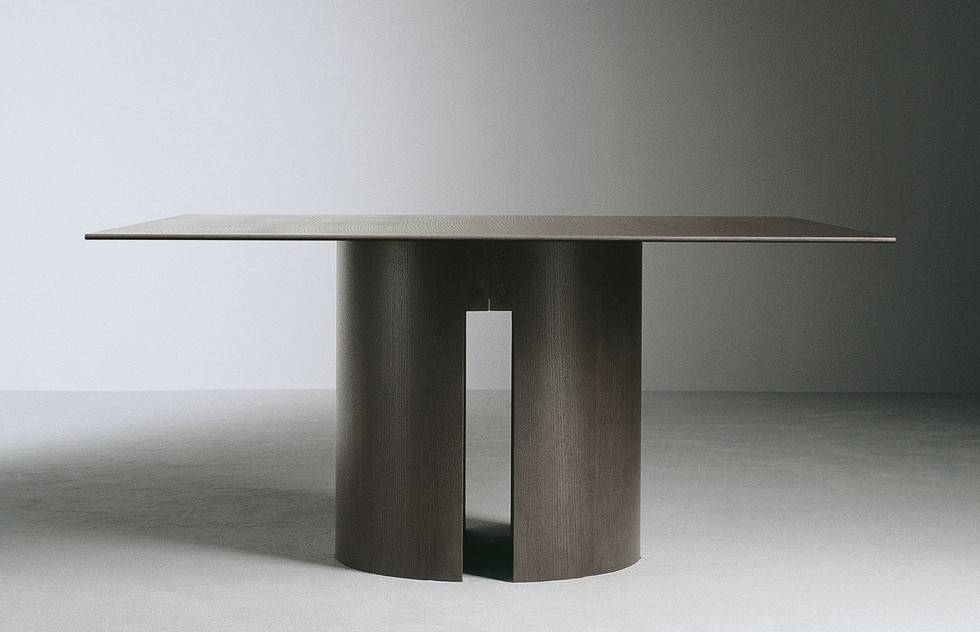meridiani gong dining table 2.jpg