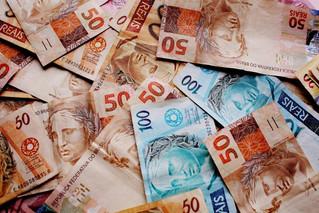 Receita Federal amplia punições a grandes devedores.