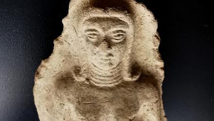 Ishtar  Terre cuite, Babylone. Fin du IIIème millénaire av. J.-C.  700 €