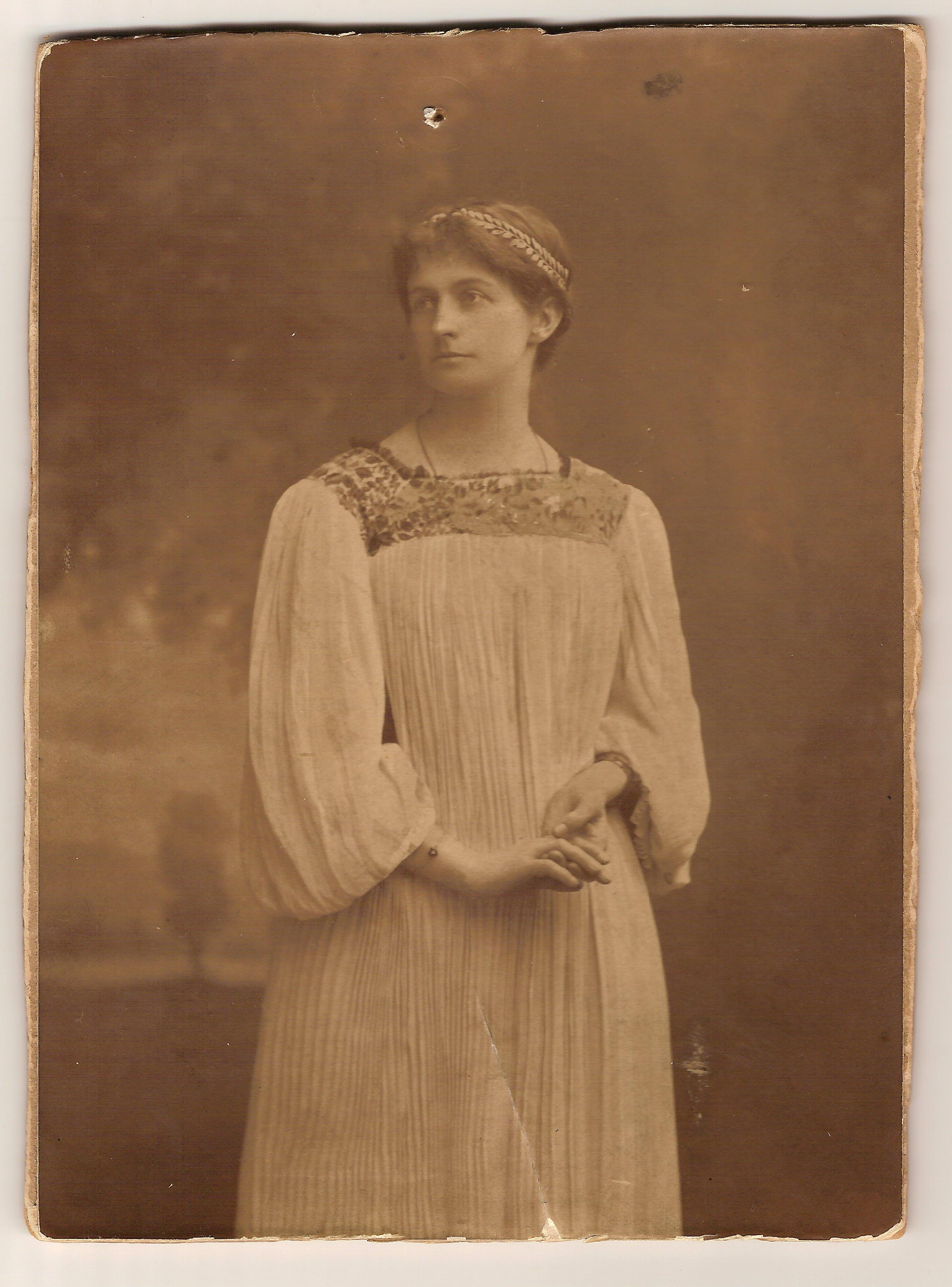 Constance O'Neill, Norman's sister 1896