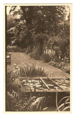 The garden at 4 Pembroke Villas