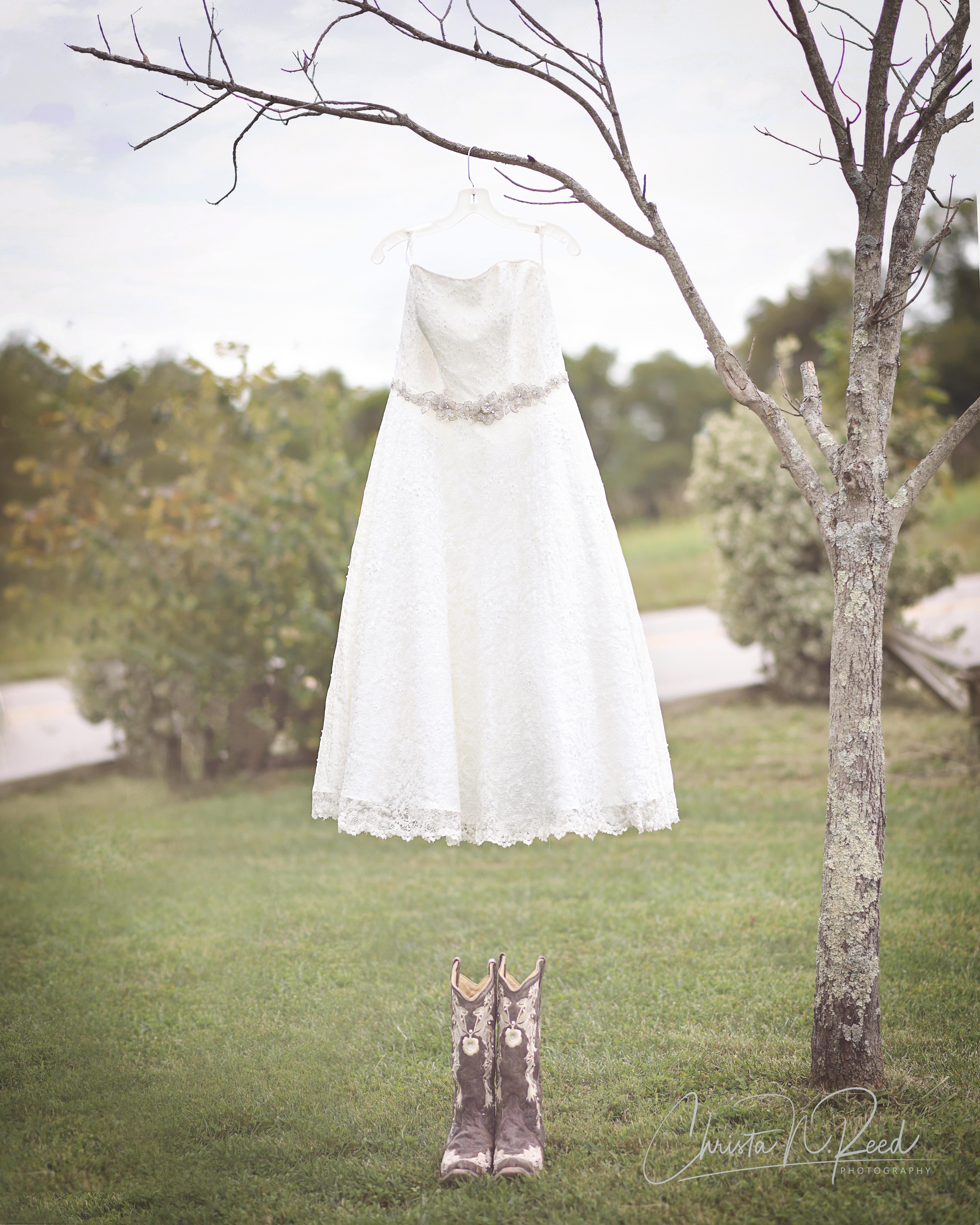 NKY Wedding Photographer Dress Bride Boo