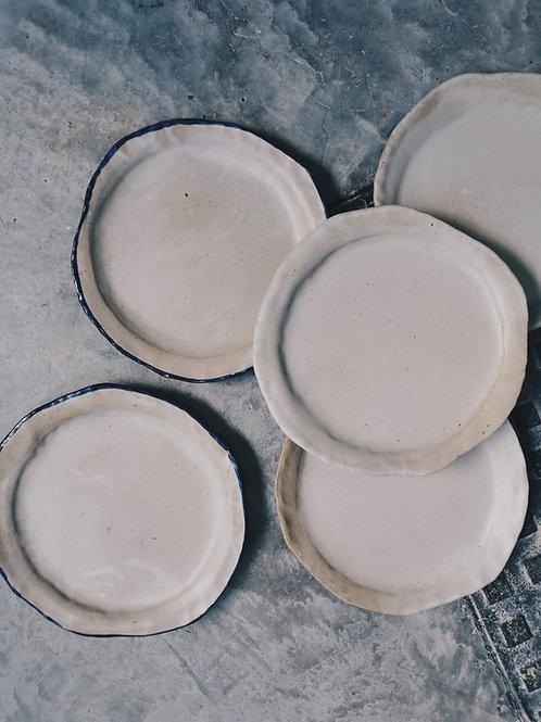 Stoneware skin plates (26cm)