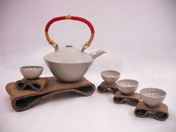 Tea set for Singtel CEO