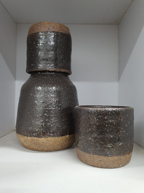 Sake flask with 1 cup
