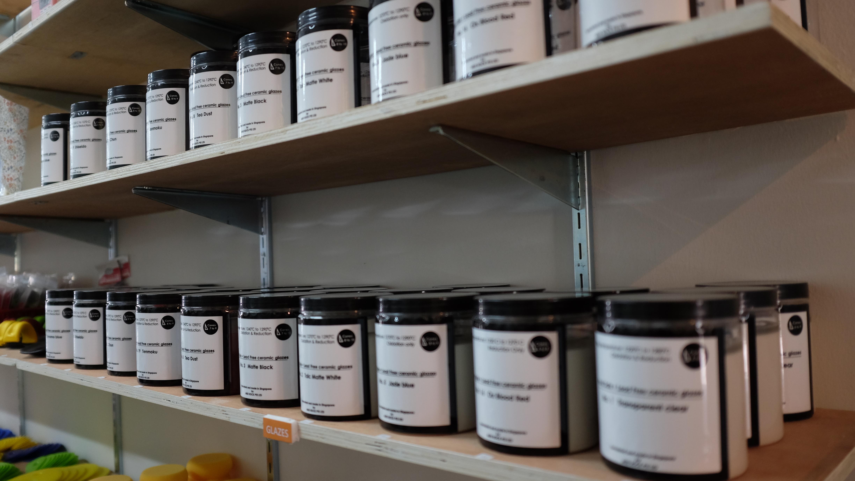 Locally self-formulated glazes