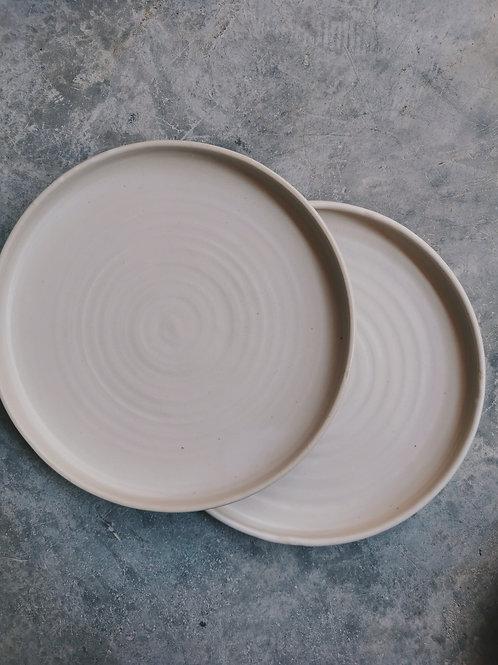 Straight Edge Plates (26cm)