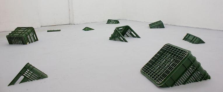 plastic boxes sinking3.jpg