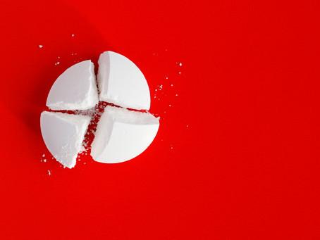 Cortar comprimidos ao meio pode trazer sérios riscos à saúde