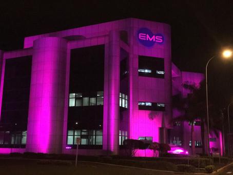 EMS abraça o rosa para alertar sobre a prevenção do câncer de mama