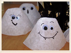 Kidfunideas.com easy coffee filter ghost craft for kids