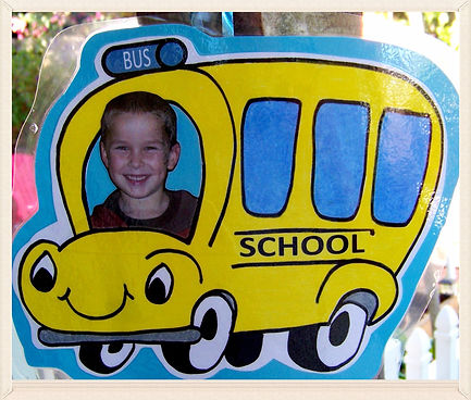 Kidfunideas.com Wheels on the bus picture frame craft for kids.  A fun bus craft for kids to make.  Great for classroom wall or to put on the refrigerator