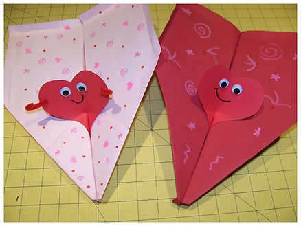 Kidfunideas.com Valentine's Day Paper airplane craft