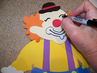 Kidfunideas.com clown paper bag puppet