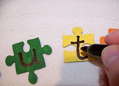 Kidfunideas.com Autism awareness puzzle piece craft step 3