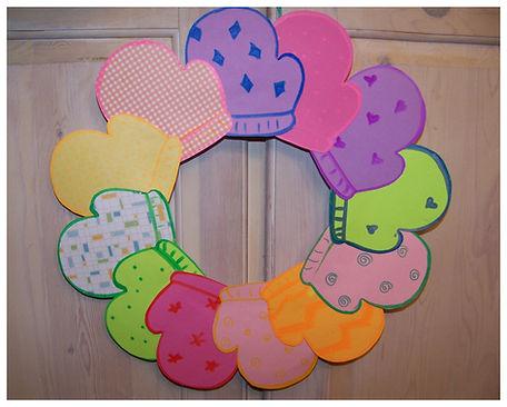 Kidfunideas.com Mitten wreath craft for kids