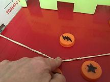 kidfunideas.com take your shot disk shooting game!