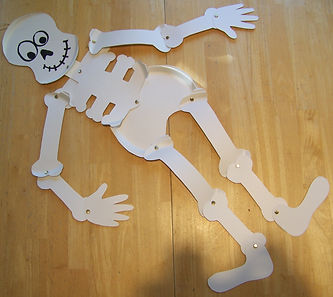 Kidfunideas.com easy paper plate skeleton craft for kids