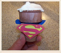 Kidfunideas.com super dad father's day cupcakes