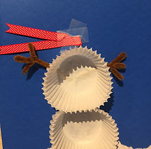 Kidfunideas.com cup cake paper snowman attaching the scarf