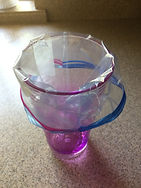 Kidfunideas.com tip hero tip: fill a zip bag easily by fitting the bag over a cup