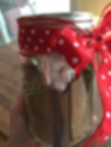 Kidfunideas.com hot coco kit picture directions - wrapping your jar in a bow