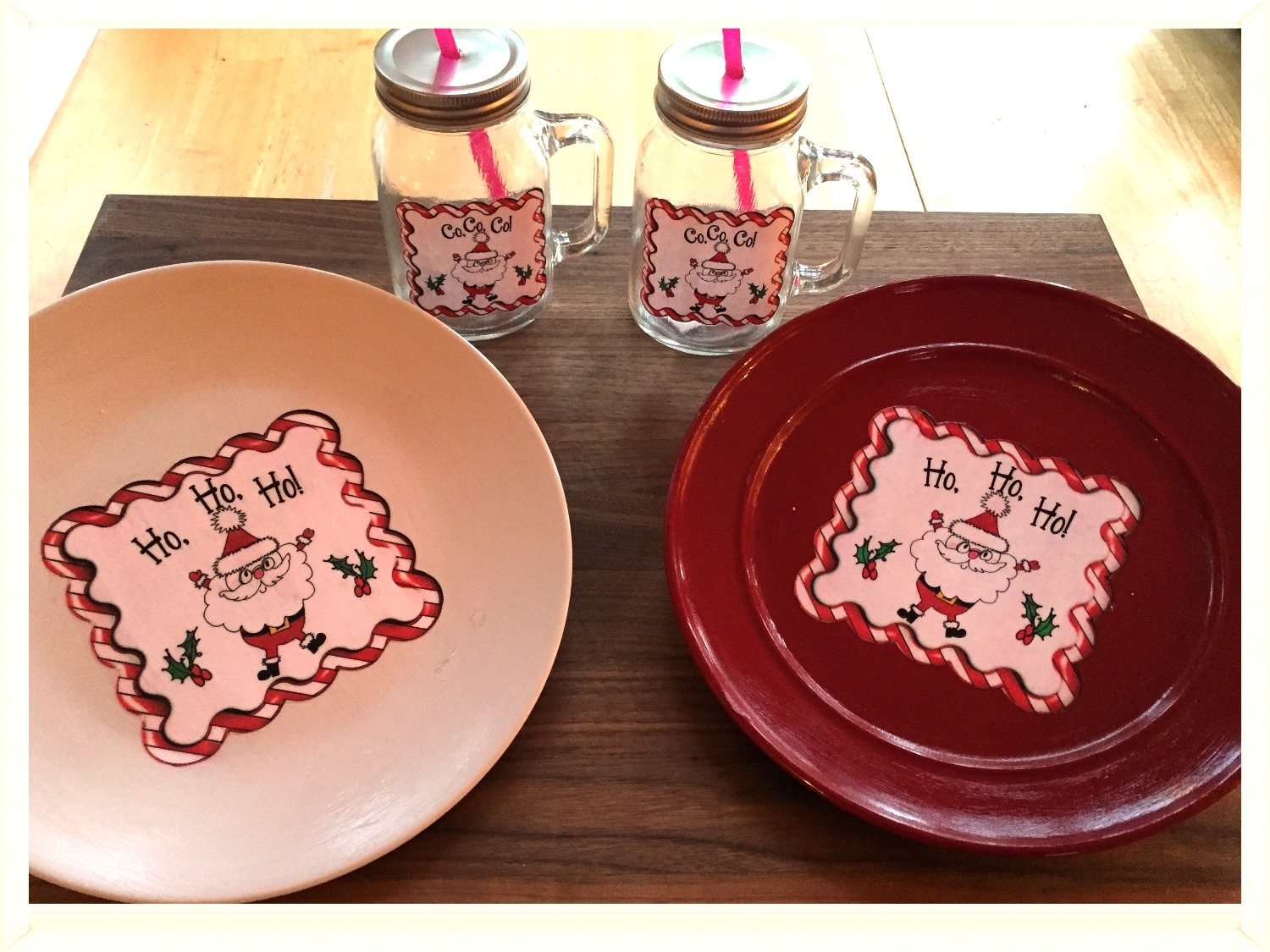 Santa cookie plate and coco mugs