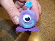 Kidfunideas.com paper bowl flying saucer and alient craft - picture of one of the aliens