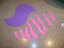Kidfunideas.com Cheshire cat craft picture of step one