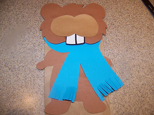 Kidfunideas Ground hog paper bag puppet step one picture