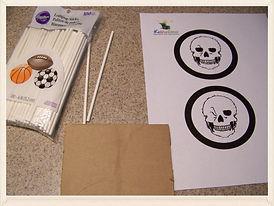 Kidfunideas.com winking skeleton craft for kids