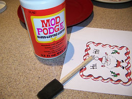 Kidfunideas.com Santa cookie plate picture directions. Ingredients to make the project picture