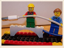 Kidfunideas.com tip: corral power cords using legos