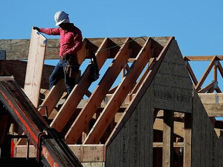Homebuilder sentiment rises in May thanks to strong demand and tight housing supply