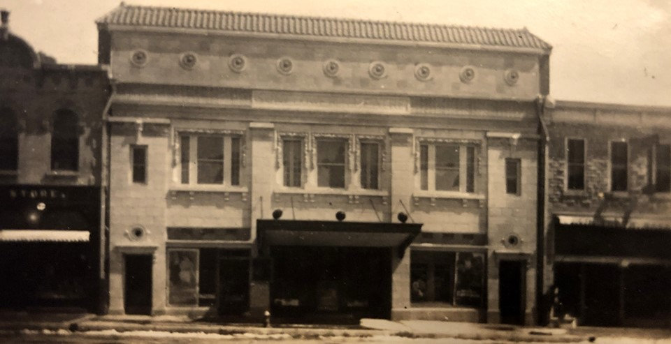 2. Sunflower theatre historic (1) (1).jp