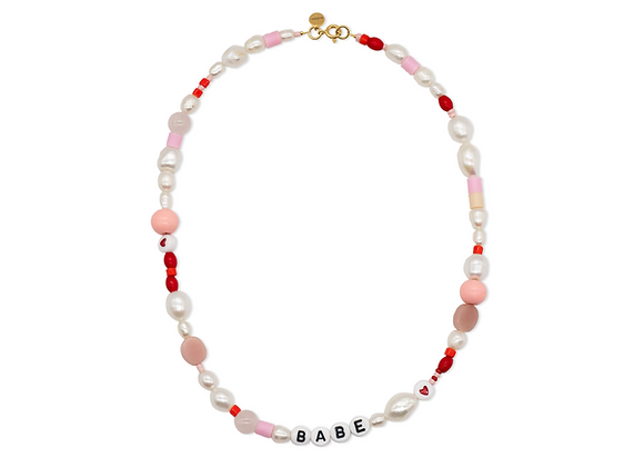PINK NECKLACE WITH PEARLS AND LETTERS