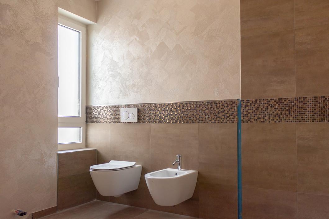 Spachteltechnik, besondere Wandtechnik im Badezimmer, WC