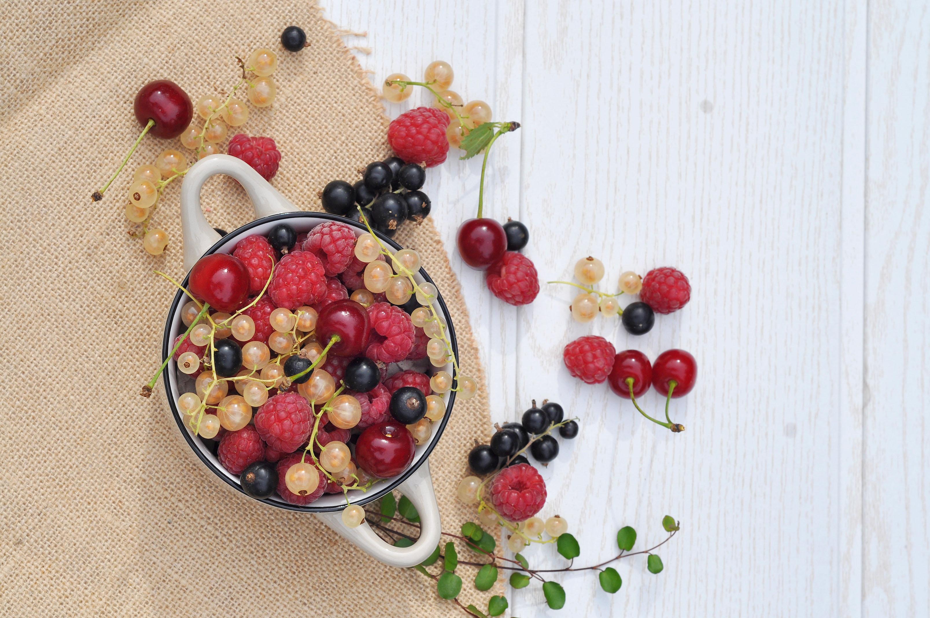 Frische Beeren im Sommer